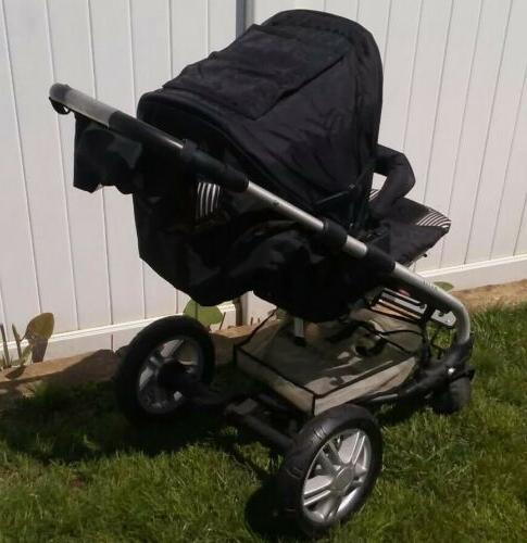 awsome condition stroller and bassinet very clean